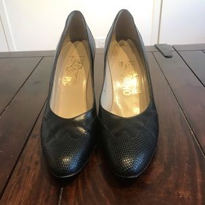 Ferragamo black leather heels size 8